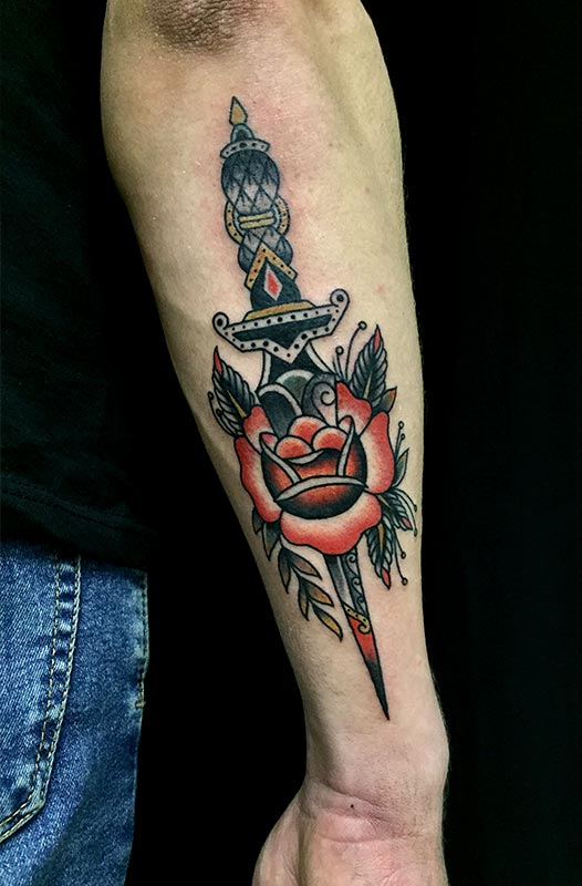 tatuaje daga valencia