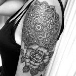 mandala tattoo valencia Pilar